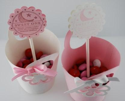 Baby shower invitations, favors and decoration